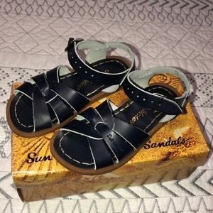 I am selling this pair of sandals